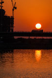 Por do sol na baía do negócio, Dubai Foto de Stock