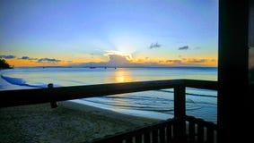 Por do sol na barra de Fraser Island fotografia de stock