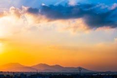 Por do sol na cidade Fotografia de Stock Royalty Free