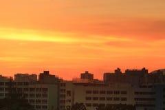 Por do sol na cidade da HK com silhueta Imagens de Stock