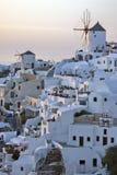 Por do sol na cidade de Oia, Santorini, Tira Island, Cyclades Fotos de Stock Royalty Free