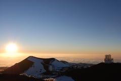 Por do sol na cimeira de Mauna Kea Fotografia de Stock Royalty Free
