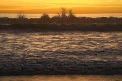 Por do sol na costa Foto de Stock