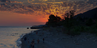 Por do sol na costa do Mar Negro Imagens de Stock