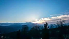 Por do sol na paisagem das montanhas Foto de Stock Royalty Free