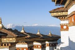 Por do sol na passagem de Dochula com o Himalaya no fundo - Butão Fotos de Stock Royalty Free