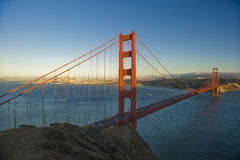 Por do sol na ponte de porta dourada Foto de Stock Royalty Free