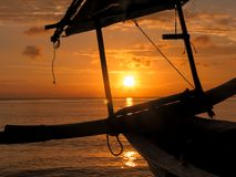 Por do sol na praia de Bali, Indonésia Imagens de Stock Royalty Free