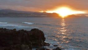 Por do sol na praia de Gran Canaria foto de stock royalty free