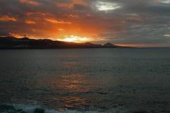 Por do sol na praia de Gran Canaria imagem de stock