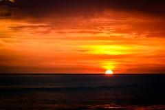 Por do sol na praia de Mazatlan, México Fotografia de Stock Royalty Free