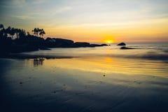 Por do sol na praia de Palolem, Goa Fotografia de Stock