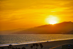 Por do sol na praia de Santa Monica Imagem de Stock Royalty Free