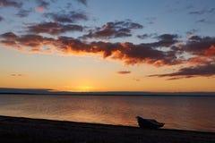 Por do sol na praia de Vadum em Salling, Dinamarca - série Imagens de Stock Royalty Free