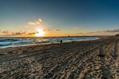 Por do sol na praia imperial, CA Fotografia de Stock