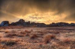 Por do sol nas montanhas Imagens de Stock Royalty Free