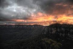 Por do sol nas montanhas Imagens de Stock
