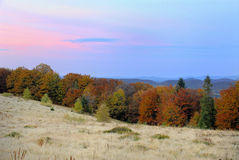 Por do sol nas montanhas Imagem de Stock