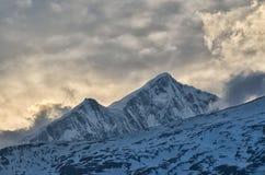 Por do sol nas montanhas - beleza da natureza fotografia de stock royalty free