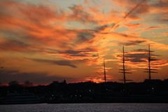 Por do sol nebuloso Imagem de Stock Royalty Free