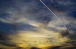 Por do sol nebuloso Fotos de Stock