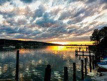 Por do sol nebuloso, lago zurich Imagens de Stock Royalty Free