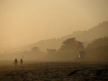 Por do sol nevoento na praia de Stinson Imagem de Stock