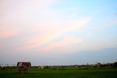 Por do sol no campo fotografia de stock royalty free