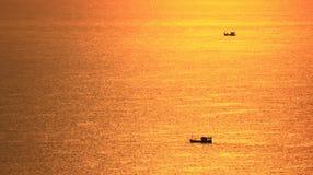 Por do sol no console Chonburi Thaialnd de Larn Imagem de Stock