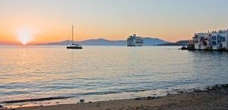 Por do sol no console de Mykonos Fotografia de Stock