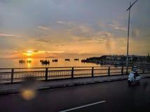 Por do sol no delta de Mekong River, ao sul de Vietnam imagens de stock