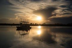 Por do sol no delta de Okavango foto de stock royalty free