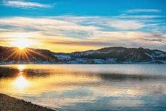 Por do sol no fiorde de Trondheim fotografia de stock royalty free