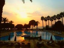 Por do sol no hotel superior - Turquia foto de stock