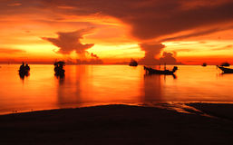 Por do sol no kho tao Tailândia imagens de stock royalty free