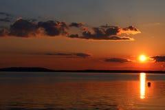 Por do sol no lago Chiemsee Imagens de Stock Royalty Free
