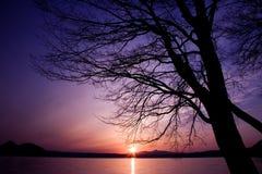 Por do sol no lago Toya, Hokkaido, Japão Fotografia de Stock Royalty Free