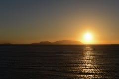 Por do sol no mar do Res foto de stock