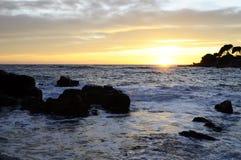 Por do sol no mar em riviera francês, France Imagem de Stock