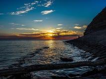 Por do sol no Mar Negro na região de Krasnodar de Rússia Imagem de Stock
