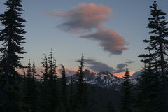 Por do sol no noroeste pacífico Imagens de Stock Royalty Free