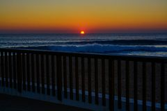 Por do sol no oceano Fotografia de Stock Royalty Free