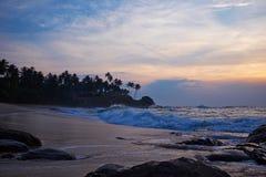 Por do sol no oceano, imagem de stock