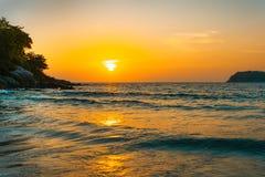 Por do sol no oceano, fundos ambientais abstratos fotografia de stock royalty free