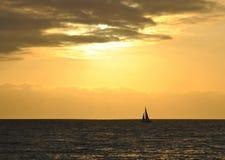Por do sol no Oceano Pacífico Fotos de Stock Royalty Free