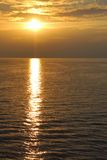 Por do sol no Oceano Pacífico filipinas Fotos de Stock