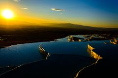 Por do sol no Pamukkale imagem de stock royalty free