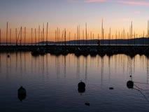 Por do sol no porto 07 Lausana de Ouchy, Switzerland foto de stock