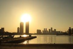 Por do sol no porto 2 de Barém Foto de Stock