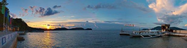 Por do sol no porto/porto Imagem de Stock